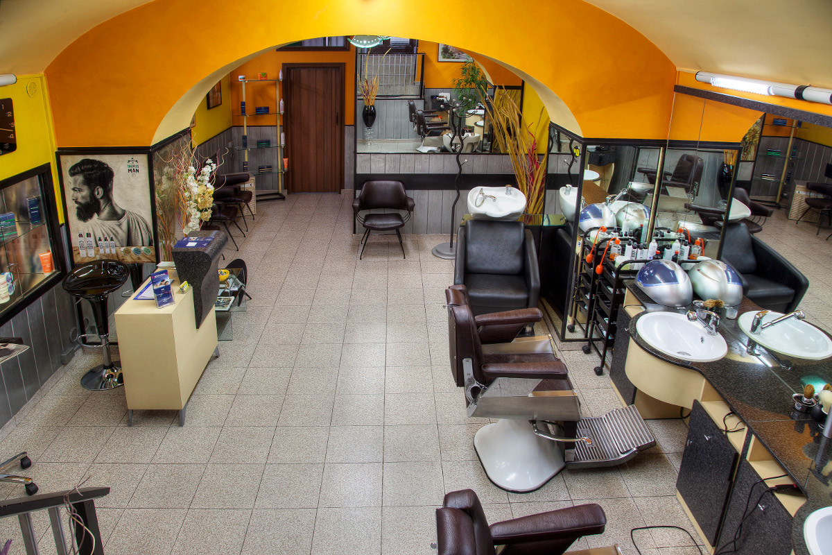 Il salone di parrucchiere e barberia di Luca Conti