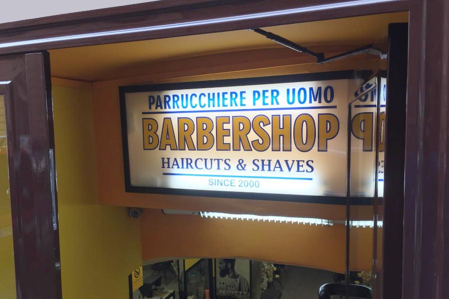 l'insegna del barber shop