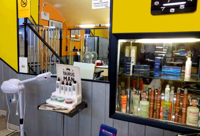 vetrina prodotti hairdresser
